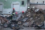 Legnica - Paliła się sterta śmieci przy ul. Rzemieślniczej