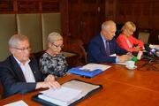 Legnica - Konferencja Tadeusza Krzakowskiego